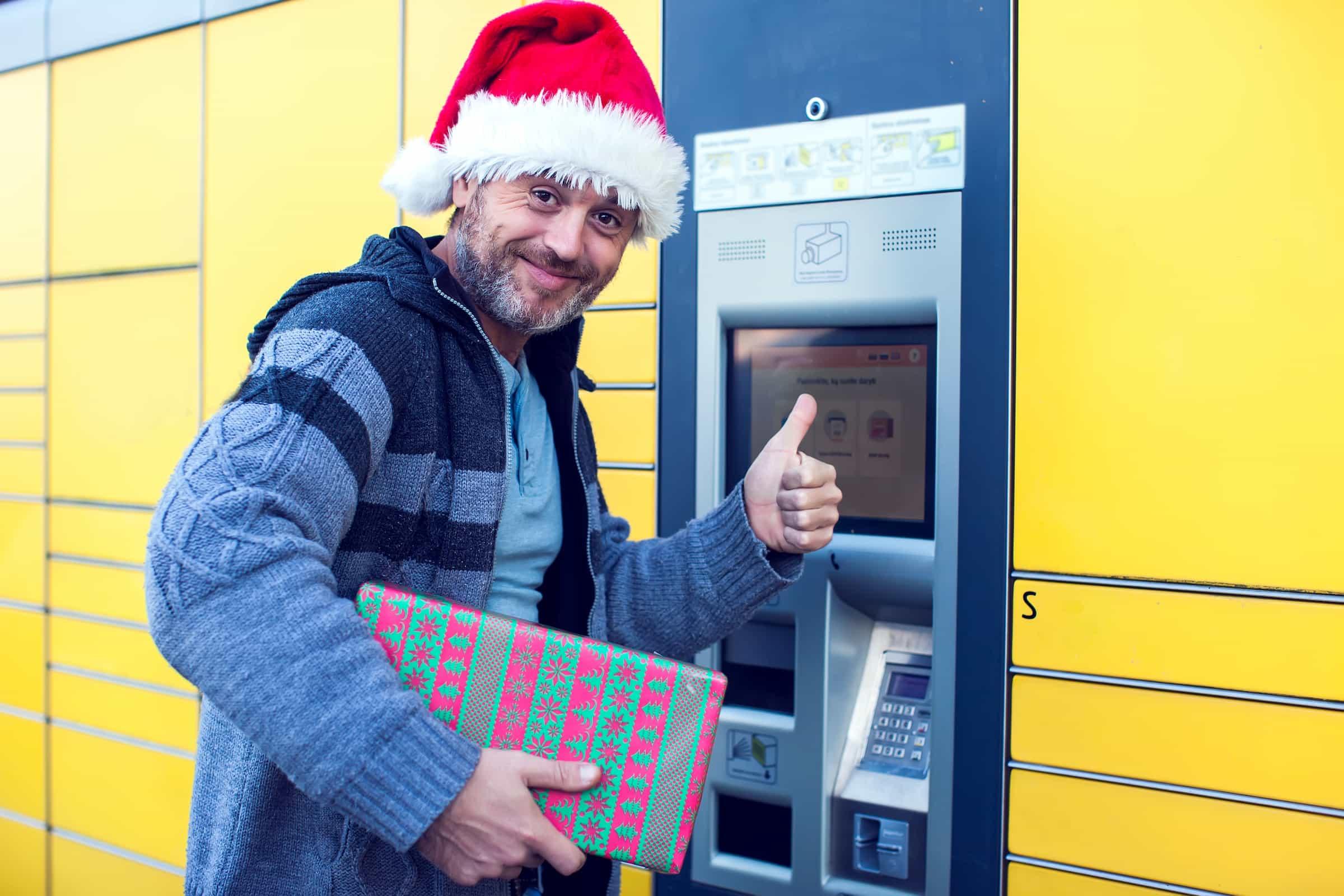 Smart parcel locker in azienda: la soluzione per gli acquisti delle feste